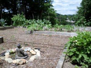 Piemājas dārziņš. Brattleborp pilsētiņa