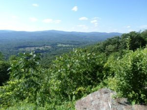 Ņujorkas štats. Kalnos sutīgajā jaunanglijas vasarā ir vēsāk.