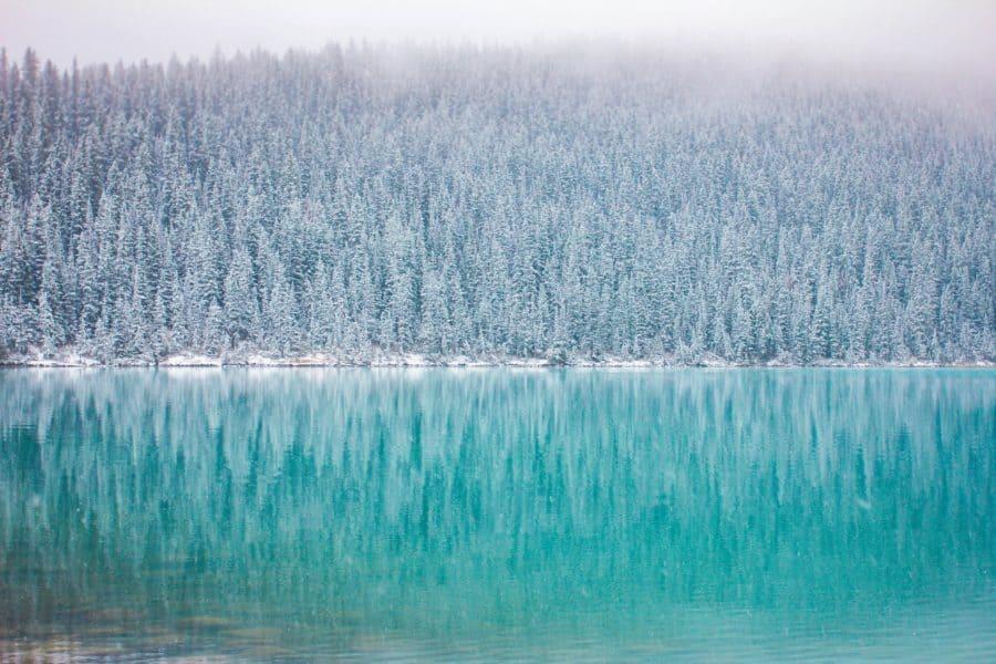 Andreea Chidu. Lake Louise. Canada www.unsplash.com